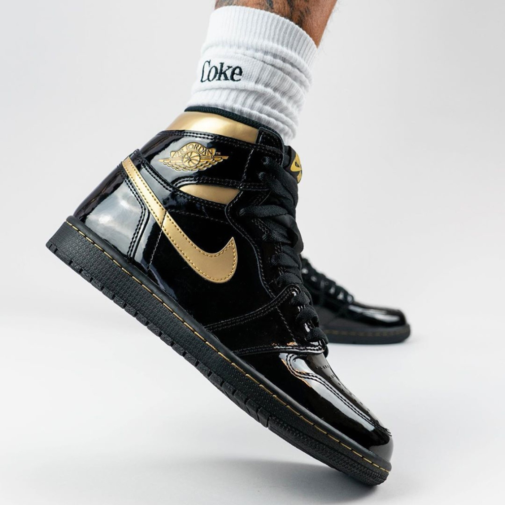 Air Jordan 1 High Black And Gold